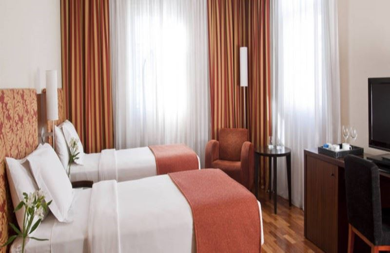 Nh City Hotel
