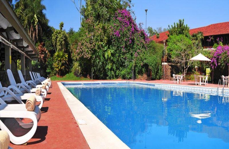 Raices Esturion Hotel & Lodge (4ESTRELLA)