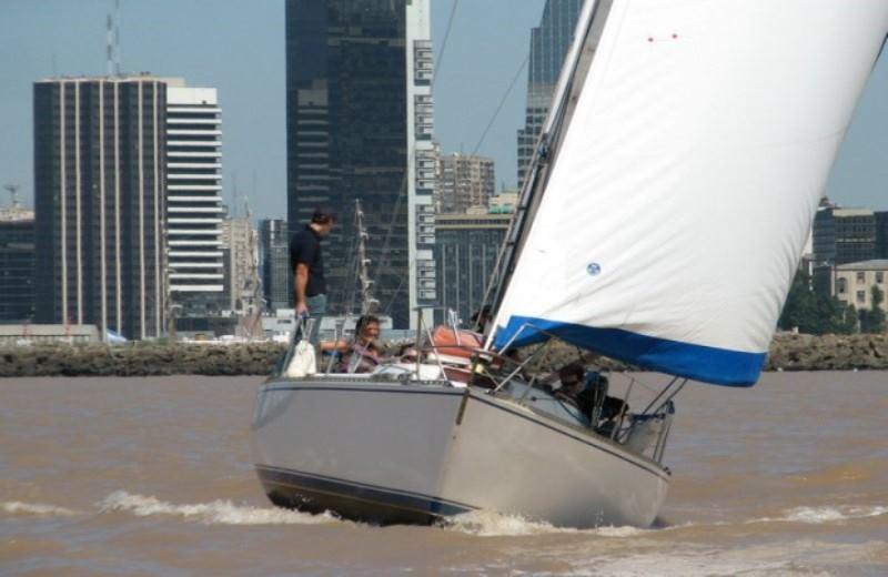 Paseos En Velero Por El Rio De La Plata