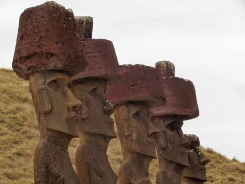 AHU AKIVI, THE SEVEN MOAIS