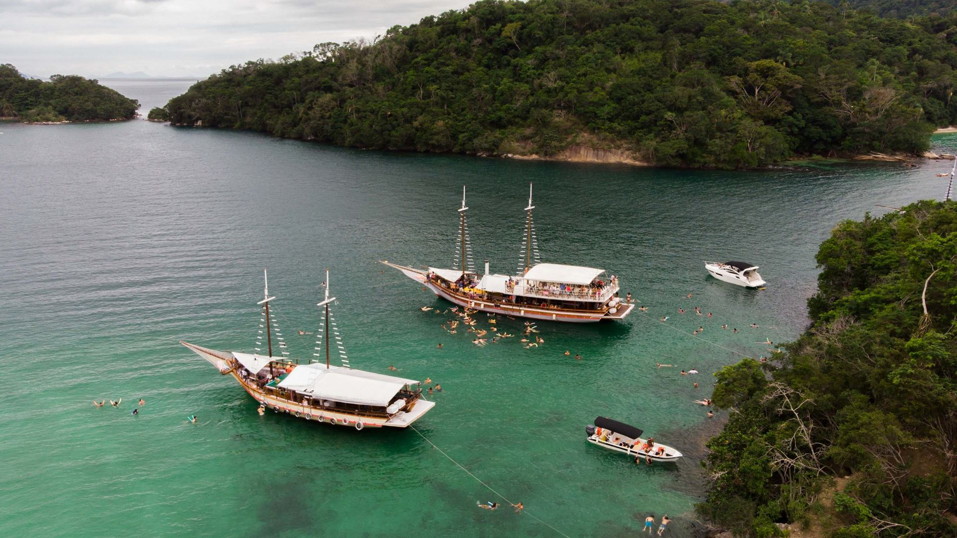 Angra Dos Reis Day Trip With Boat Tour