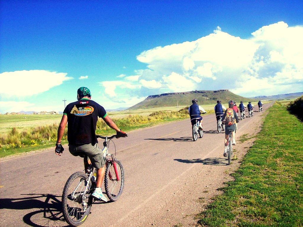 Aventura en bicicleta Sillustani