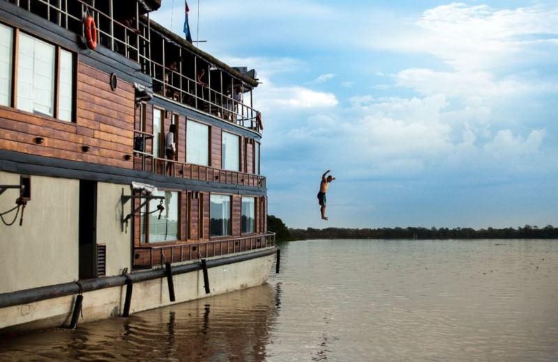 Cruzeiro Aventura  Pela Amazonas - Delfin 2
