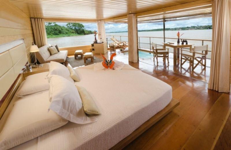 Amazon Jungle Luxury Cruise - Delfin I