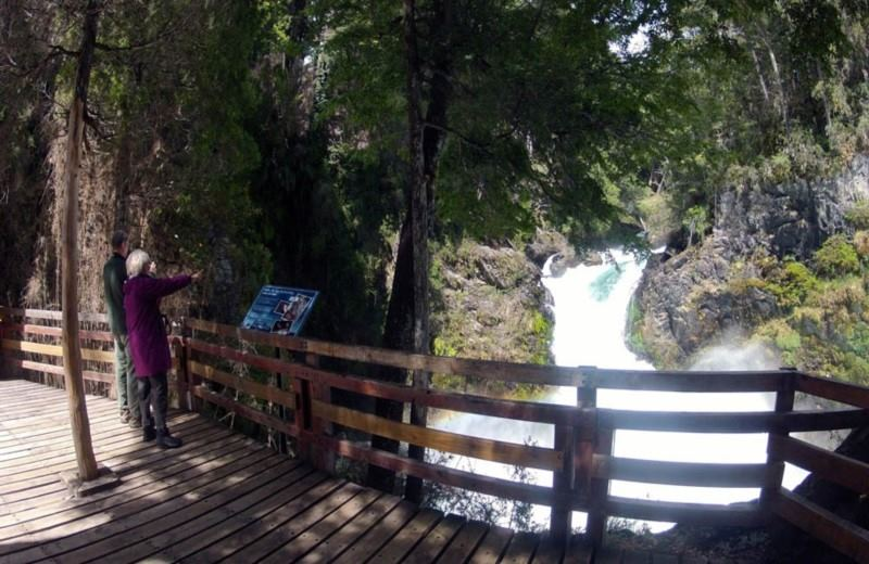 Private Tour to Manso River's Lakes and Waterfalls