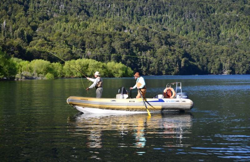 Meio Dia De Pesca Nos Lagos Nahuel Huapi, Moreno Ou Gutiérrez.