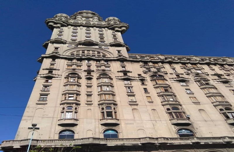 Lunch At The Facal Bar And Palacio Salvo - Montevideo
