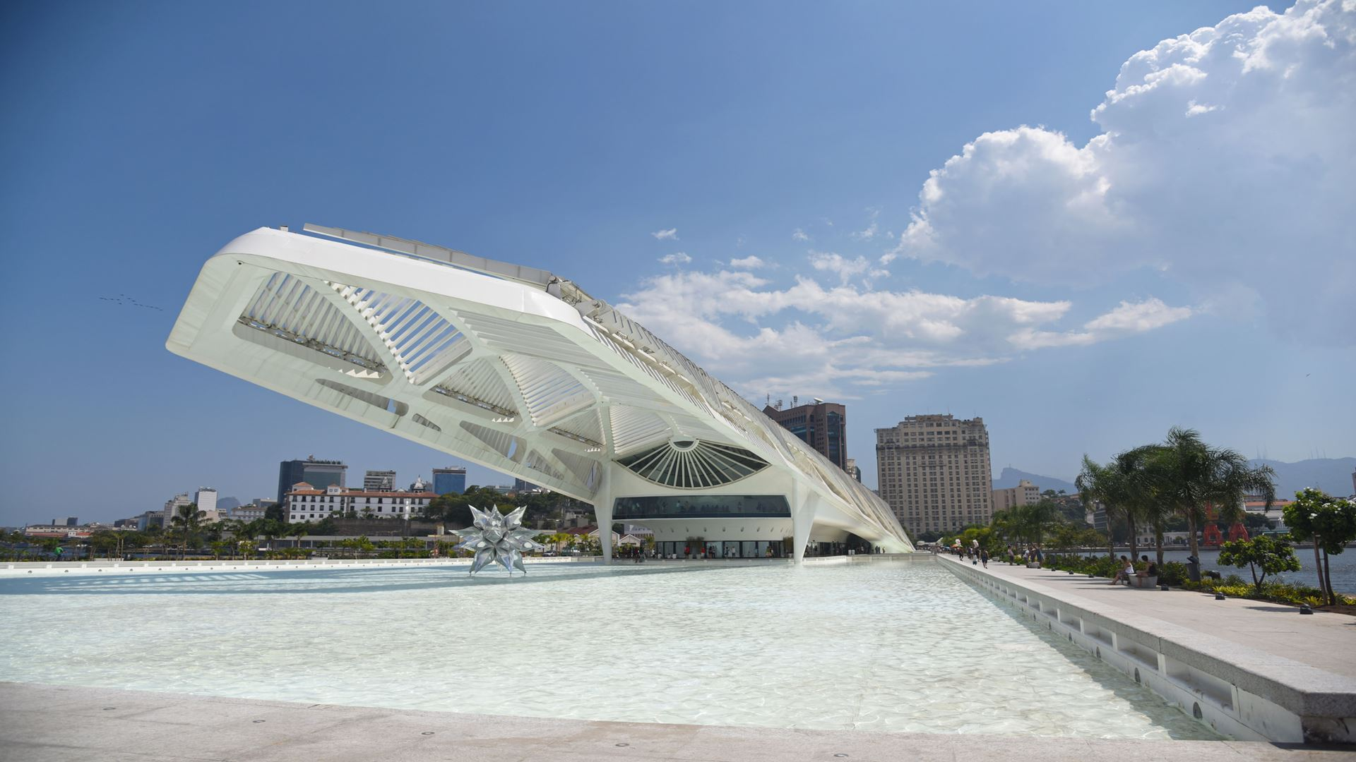 Tour to Olimpic Boulevard and Museum of Tomorrow
