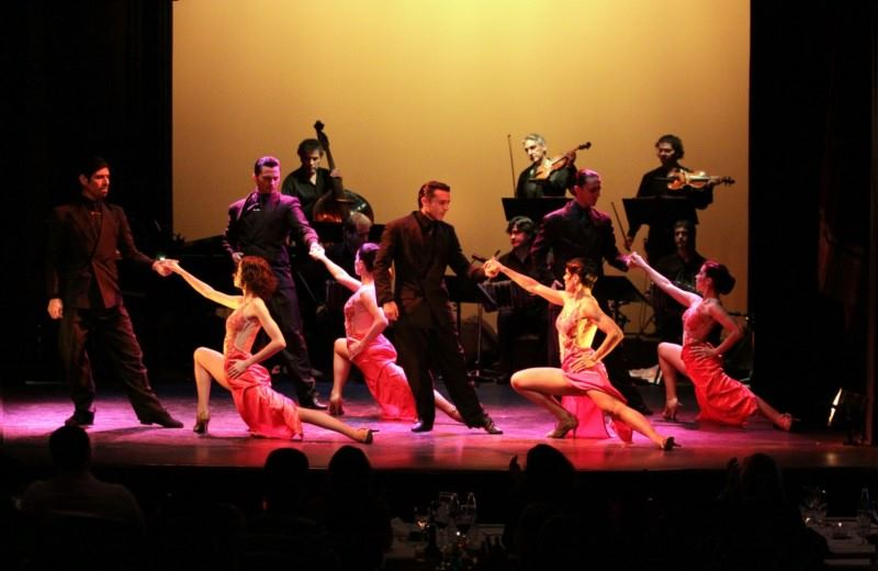 PIAZZOLLA TANGO SHOW