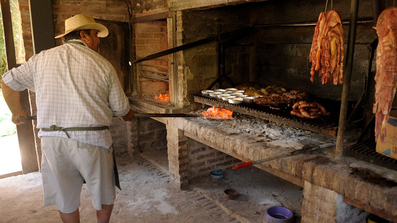SAN ANTONIO DE ARECO: TRADITION FOR A NIGHT