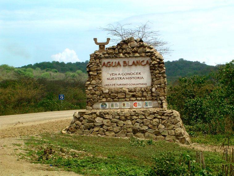 PASSEIO VISITA PLAYA DE LOS FRAILES E AGUA BLANCA COMUNIDADE